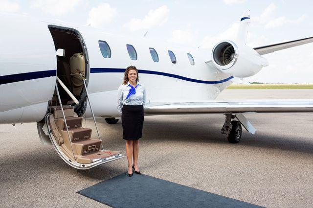 какие преимущества имеет деловая авиация и частные перелеты. Организация любых маршрутов компанией AVIAV TM (Cofrance SARL): безупречный сервис и компетентная юридическая поддержка.